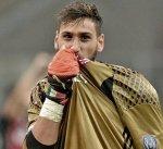 """مدرب إيطاليا يعلق على حادثة """"الأموال المزيفة"""" مع دوناروما"""