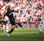 ساوثهامبتون يخطف فوزا قاتلا من وست هام بعد مباراة مثيرة في الدوري الإنجليزي