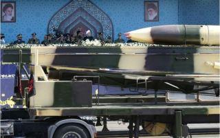 إيران تختبر بنجاح صاروخا باليستيا جديدا