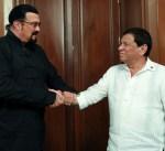الرئيس الفلبيني يستقبل ستيفن سيغال