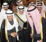 سمو الأمير يتقدم مستقبلي سمو ولي العهد في المطار الأميري