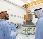 """الإمارات تدشن القمر الصناعي """"خليفة سات"""" المصنوع محليا"""