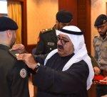 وزير الدفاع يقلد عددا من الضباط الجدد رتبهم بعد صدور مرسوم توليتهم