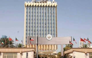 """""""الإعلام"""": إحالة المسؤولين عن بث أذان المغرب قبل موعده في قناة العربي إلى التحقيق"""