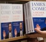 أمريكا: بيع 600 ألف نسخة من كتاب جيمس كومي عن ترامب في أسبوعه الأول