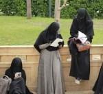 الحكومة النمساوية تعتزم حظر الحجاب في رياض الأطفال والمدارس