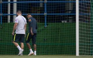 نيمار يغادر تدريبات المنتخب البرازيلي مصابا