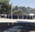 قوات الاحتلال الإسرائيلي تصيب عشرات المصلين في المسجد الأقصى