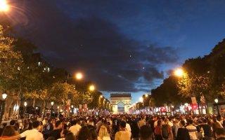 فرنسا تحبس أنفاسها قبل ساعات من النهائي الثالث