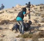 اصابة 3 صحفيين برصاص الاحتلال بالضفة الغربية