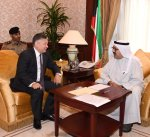 وزير الدفاع يستقبل سفير جمهورية اوزباكستان لدى البلاد
