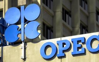 أسعار النفط ترتفع 3% بدعم من خطة «أوبك» لخفض الإمدادات