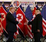 """ترامب يشيد بنتائج أول يوم للقمة الثانية مع كيم وسيوقع """"اتفاقية مشتركة"""" معه غدا"""