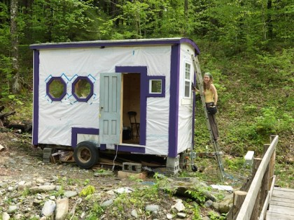 Mary C. Murphy '05 with her tiny house