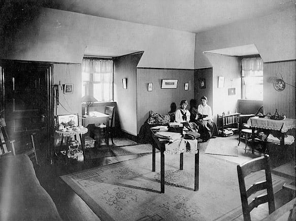 Porter Hall 1920