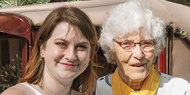 Hannah Galloway '17 poses with her grandmother, Janet Eddy Ordway '47