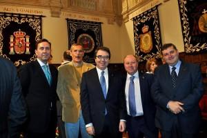 Representantes de Alumni España con el Rector