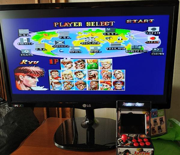 Conecta la consola arcade mini a la TV