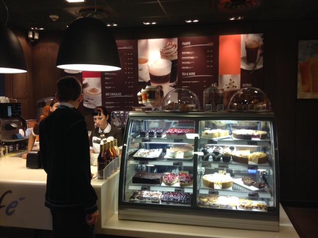 Azi s-a deschis McCafe la Delfinariu!