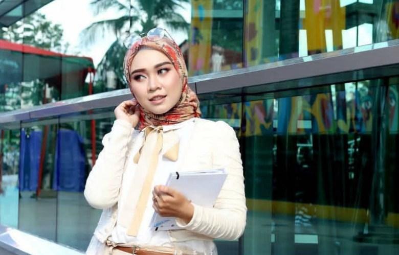 Aksesoris Hijab Simpel Atau Keren Wajah Bulat