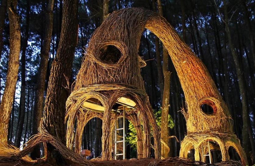 Menikmati Gemerlap Malam Kota Jogja di Atas Bukit Hutan Pinus Pengger Dlingo Bantul