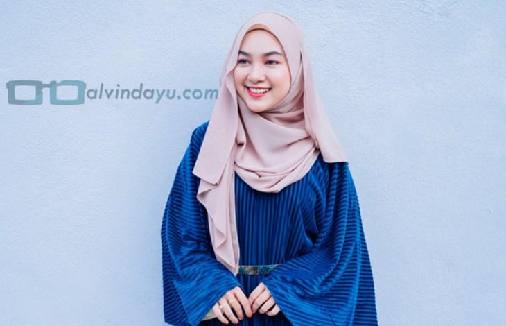 Tips Memilih Warna Hijab