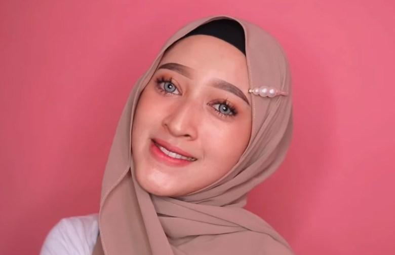 Tutorial Hijab Pashmina Simple dan Mudah Ala Sabyan SELESAI