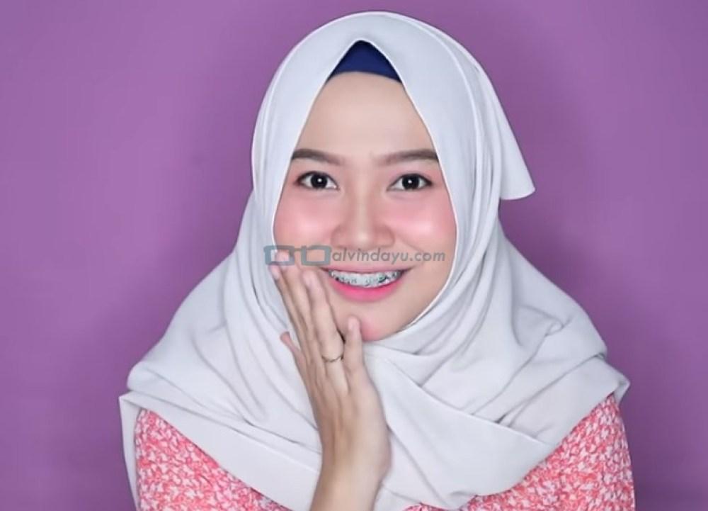 Tutorial Hijab Pashmina untuk Wajah Bulat dan Gemuk Tembem SELESAI
