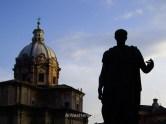 La estatua en Via dei Fori Imperiali