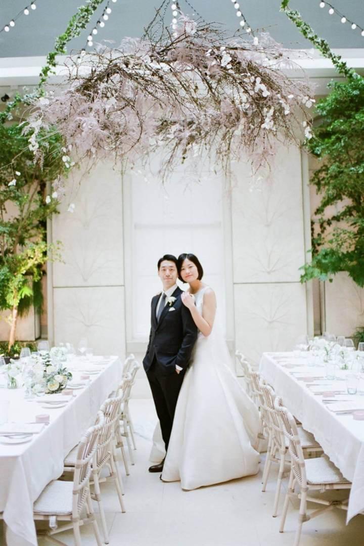 Tamara Gruner Photography bride and groom at Spring Somerset House wedding