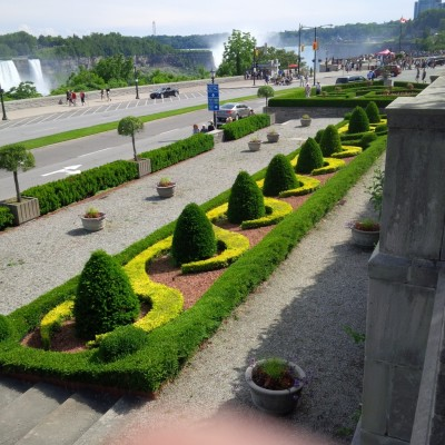 Another garden by the falls