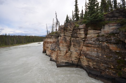 The rapidly moving Athabasca River below the falls