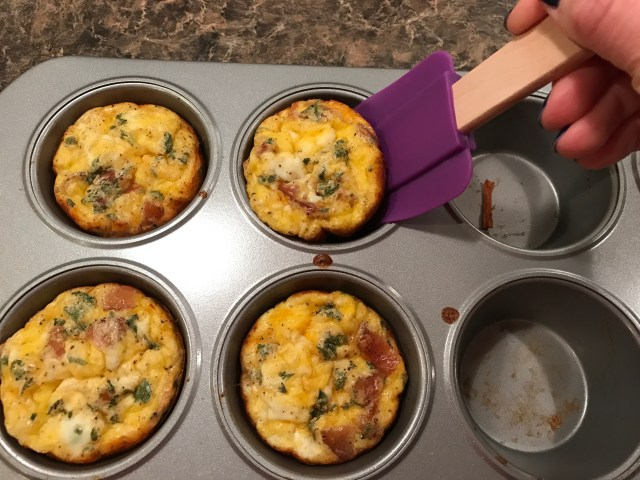 Easy Breakfast Egg Muffins Removal