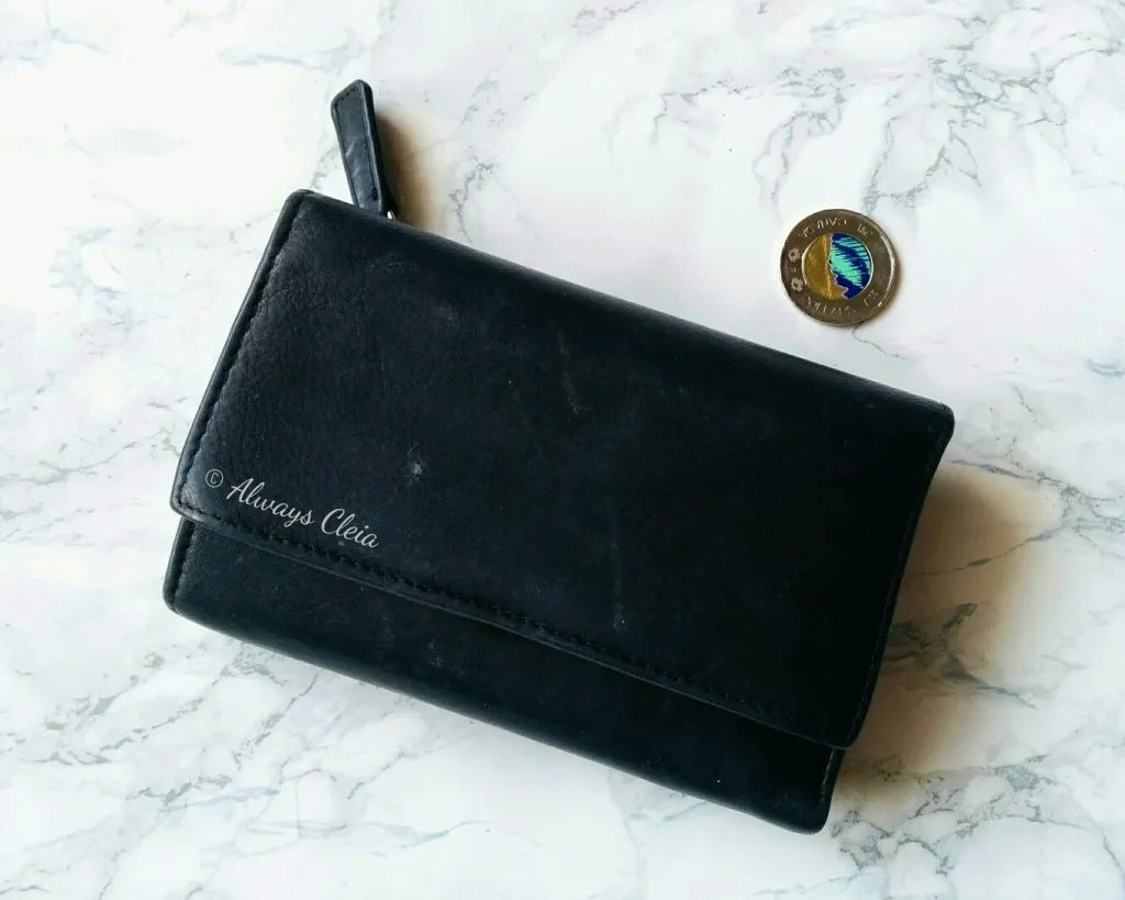 What's In My Bag - Wallet