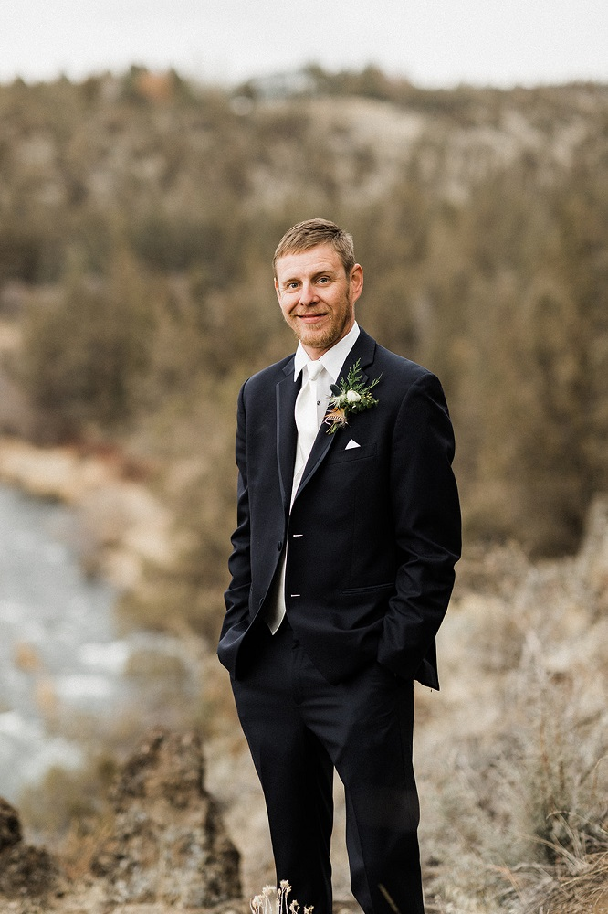 Groom Wedding Photo Inspiration