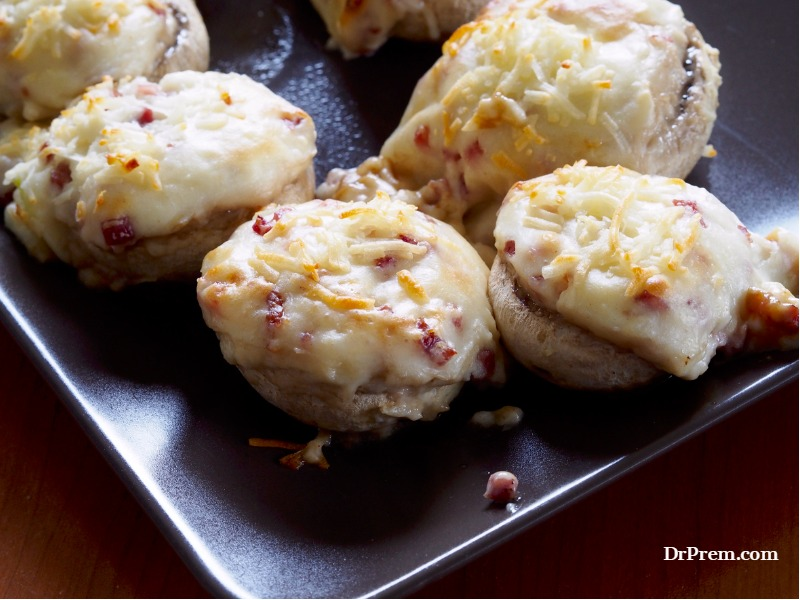 Stuffed mushrooms with cheese topping