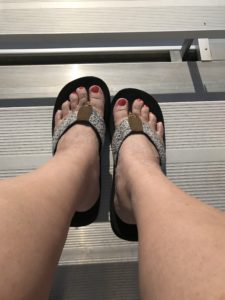 Summer Ready Feet -- it's time for flip flops, sun and sand! | www.alwaysmovingmommy.com