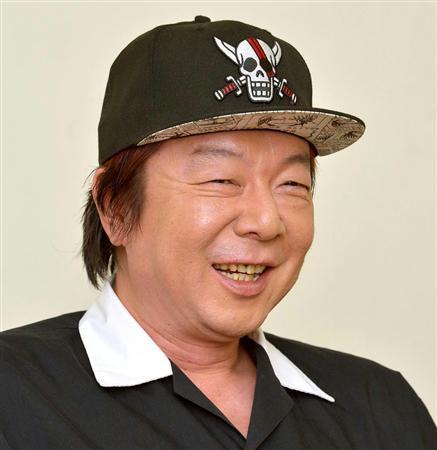どくろマークのついたキャップをかぶっている古田新太の画像