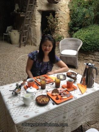 Breakfast at Les Mas Des Roses @ Gordes, France 17