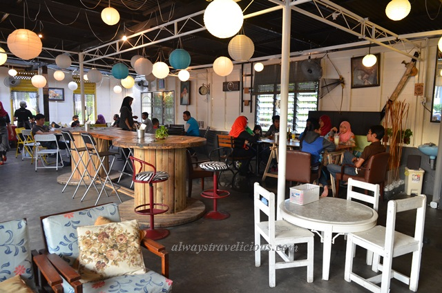 Thumb's Cafe Ipoh 5