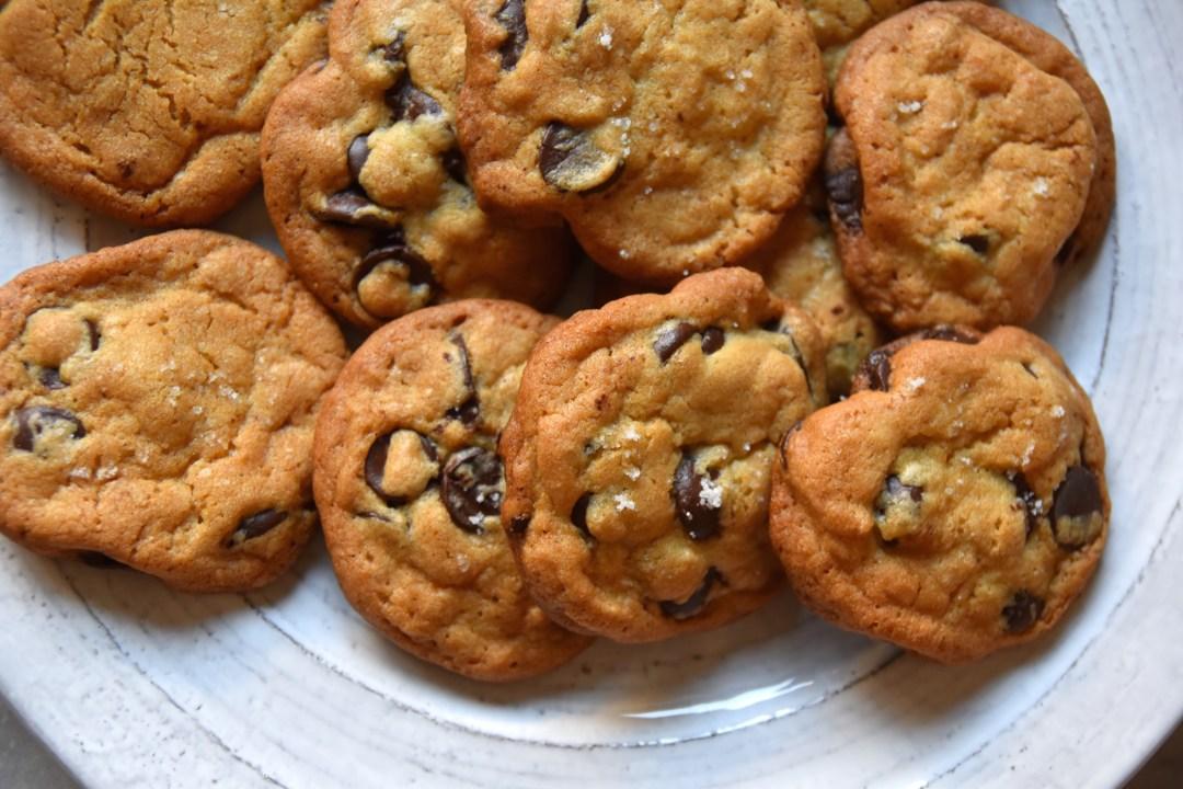dark chocolate sea salt cookies featured image