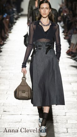 Model: Anna Cleveland, Bottega Veneta Spring 2017 Ready-to-Wear, via Vogue.com
