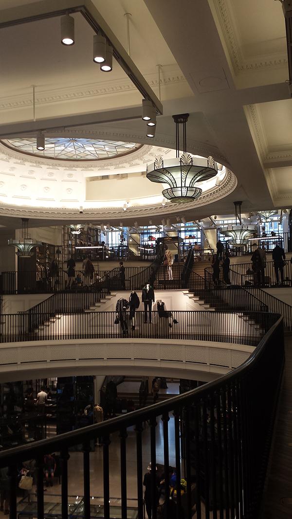 Burberry Flagship Store. Photo Credit: Always Uttori. London Calling: 3 days in London, Always Uttori Travel Diaries. Alwaysuttori.com