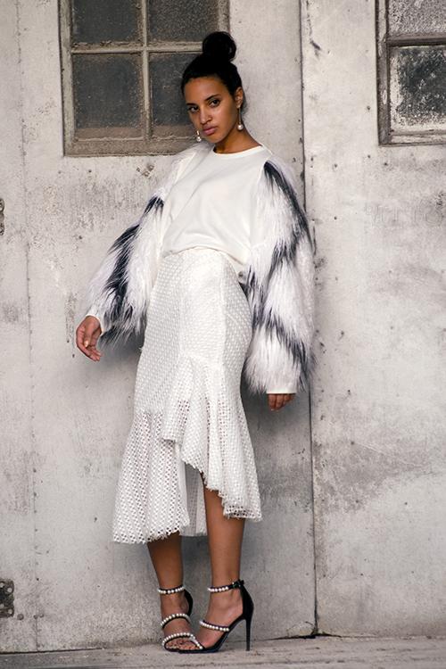 Zara Sweatshirt, L3, p1. Photo Credit: Always Uttori. Uttori Fashion: Rebel in Winter Four Cold Weather Don't Care Fashion Looks . Alwaysuttori.com