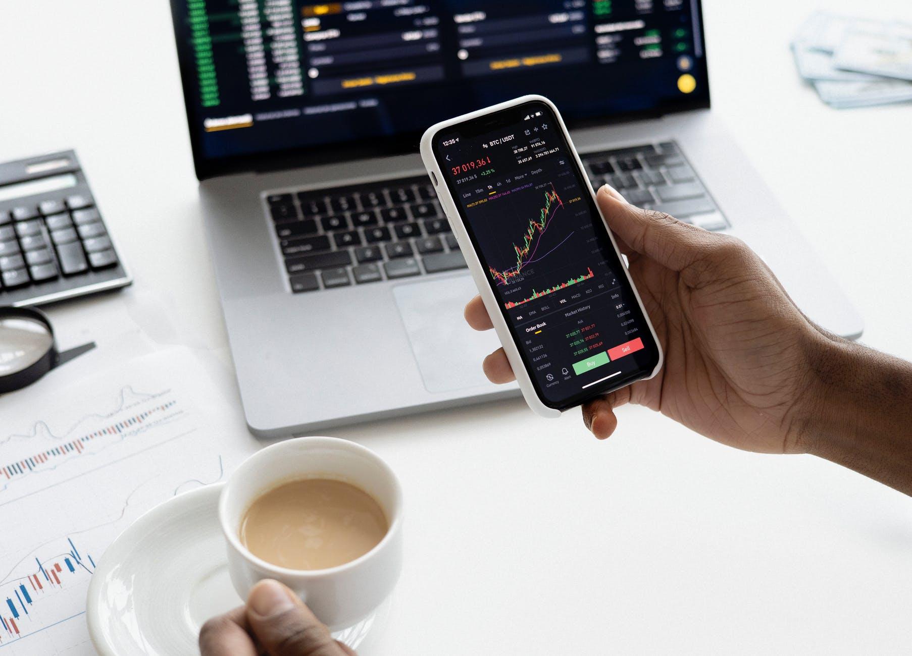 Skillnader mellan aktier och fonder
