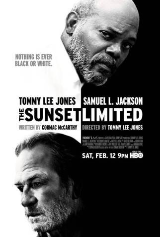 Tek mekan filmlerinden birisi olan Sunset Limited, iki karakterin dünya görüşleri üzerinden yola çıkan bir tartışma aynı zamanda. Dindar olan Siyah'la (Samuel Jackson) ateist bir profesörün Beyaz'ın (Tommy L. Jones) Siyah'ın dairesinde konuşmalarını, tartışmalarını içeriyor Sunset Limited. Oyuncuları ve öyküyü göz önünde bulundurunca çok sağlam bir olduğunu belirtmekte bir beis görmüyoruz. Sonu gelmeyen cümlelere hazırlayın ama kendinizi…