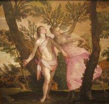 Ok atmasıyla ünlü olan Apollon ,Eros'a yay ve okun sadece kendisine yakıştığını ,kendisinin ok atarak nice yaratıklar öldürdüğünü ,oysa Eros'un sadece gönül yarası açmaya gücü yettiğini söyler.Tabii Eros bu sözlere gücenir,Apollon'dan intikam alması gerekir.İki ok çeker biri aşık eden,diğeri aşktan soğutan güce sahip.Aşık edeni fırlatır Apollon'a,diğerini ise Penios ırmağının peri kızı Daphne'ye…Apollon kıza aşık olur,kız da bir o kadar soğur aşktan…İstemez Apollon'u…Aşkından delirmiş olan Apollon kovalar devamlı perikızı Daphne'yi…Fakat bu kovalamalara dayanamaz Daphne,babasından onu bir ağaca çevirmesini diler ve o anda defne ağacına dönüşür.Apollon ağaca sarılır öper koklar…Daphne'nin karısı olamadığını fakat defne ağacının bundan sonra Apollon ismiyle anılacağını söyler.Gerçekten de Apollon'un saçları defne yapraklarıyla süslüdür.