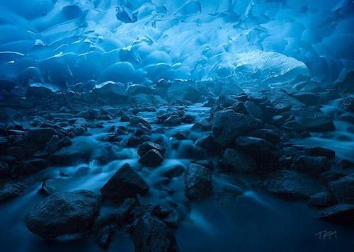 Mendenhall Glacier Mağarası, ABD