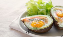 Want To Try The Keto Diet? Then You Need To Know About MCT Oil