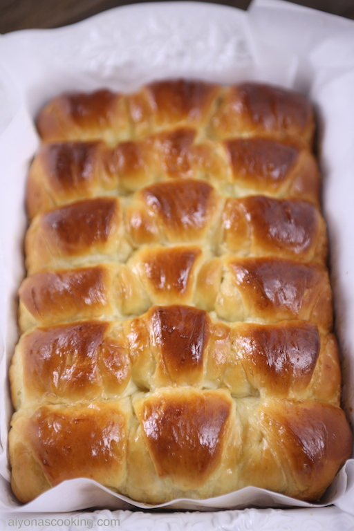 baked Bulochki piroshkii
